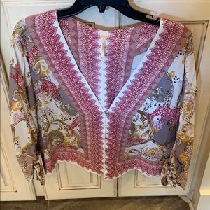 Free People XS v neck printed top